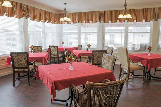 Brookdale Anderson Skilled Nursing Dining Room