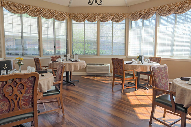 Brookdale Asheville Overlook Dining Room