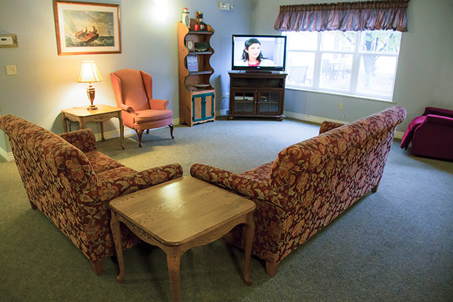 Brookdale Austintown TV Room
