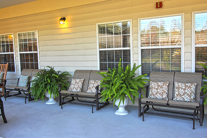 Brookdale Colonial Heights Patio