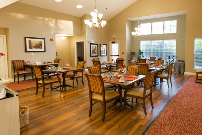 Brookdale Elk Grove Dining Room