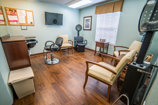 Brookdale Ennis Salon