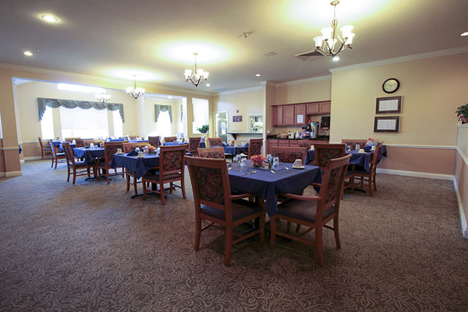Brookdale Fort Myers Lakes Park Dining Room