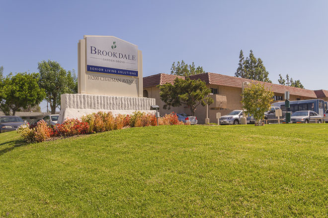 Brookdale Garden Grove Senior Living And Memory Care In Garden Grove Ca Assisted Living