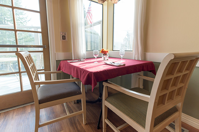 Brookdale Harbor Bay Dining Room