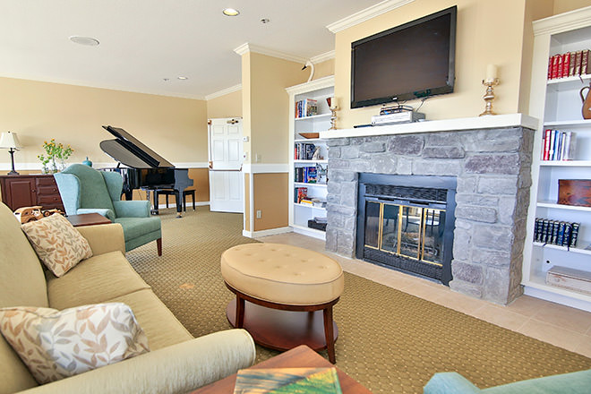 Brookdale Hearthstone Moses Lake Community Living Room