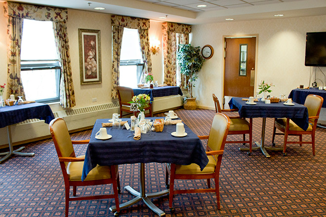 Brookdale Lisle Skilled Nursing Dining Room