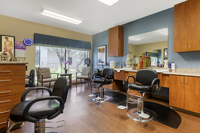 Brookdale Lohmans Crossing Salon