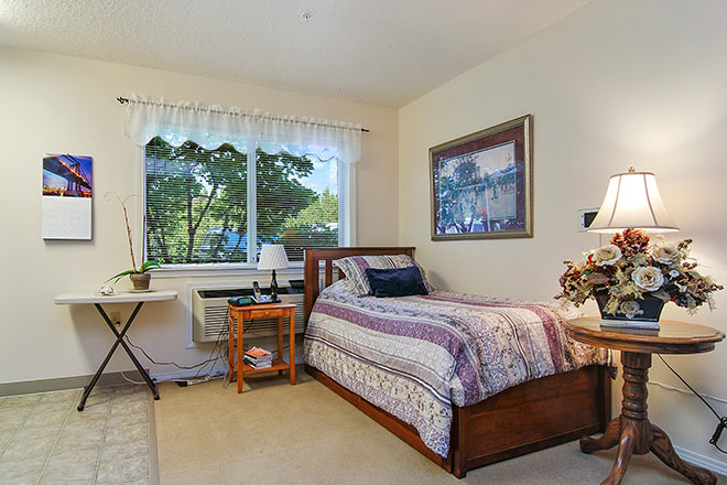 Brookdale McMinnville City Center Bedroom