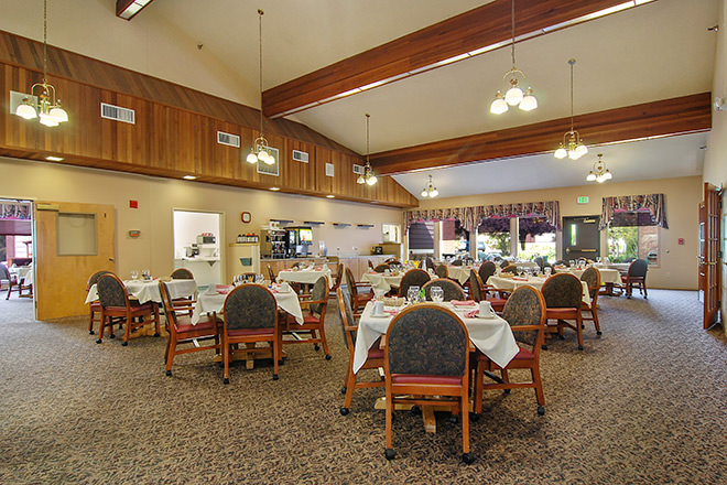 Brookdale McMinnville Town Center Dining Room