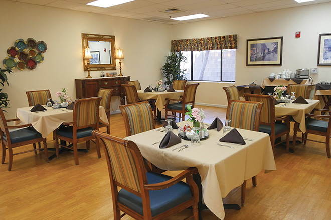 Brookdale North Chandler Skilled Nursing Dining Room