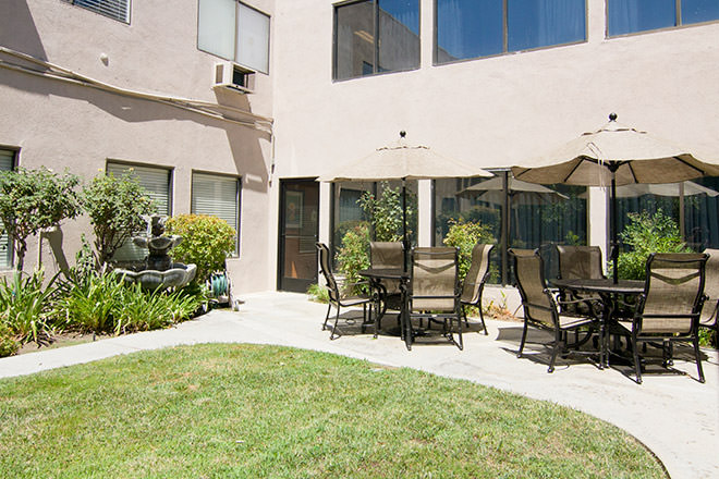 Brookdale North Tarzana Patio