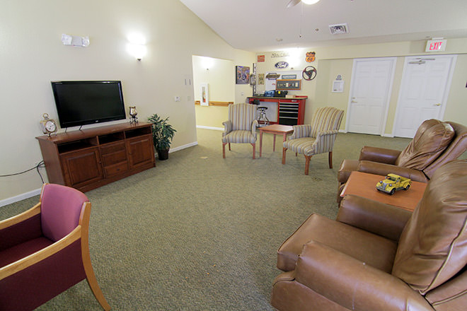 Brookdale Oklahoma City Southwest TV Room