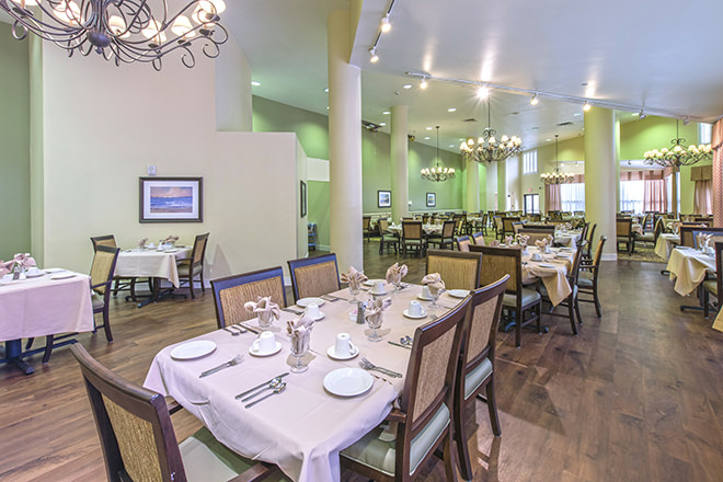 Brookdale Palm Beach Gardens Dining Room
