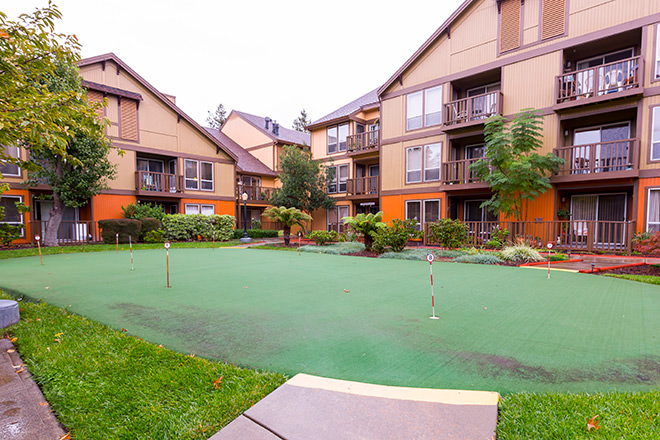 Brookdale Paulin Creek Putting Green