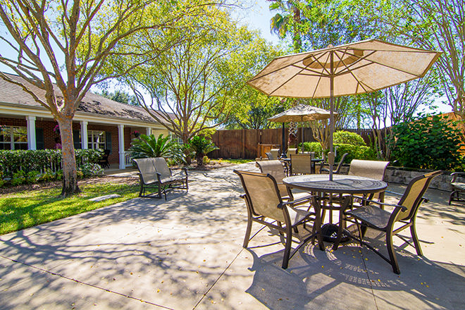 Brookdale Pearland Patio