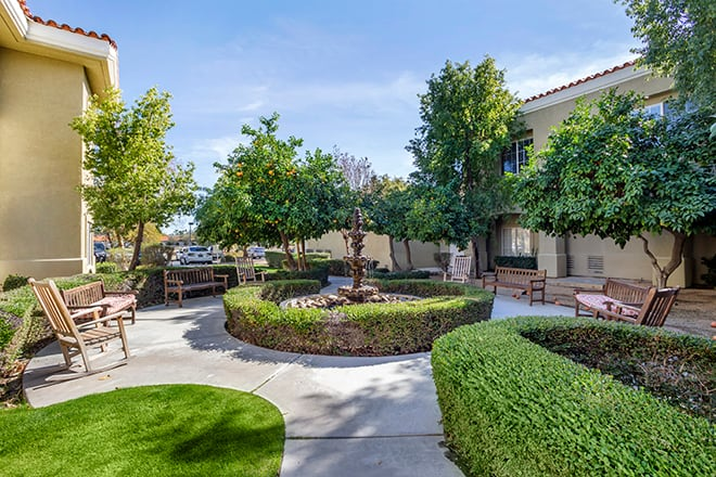 Brookdale Rancho Mirage  Courtyard