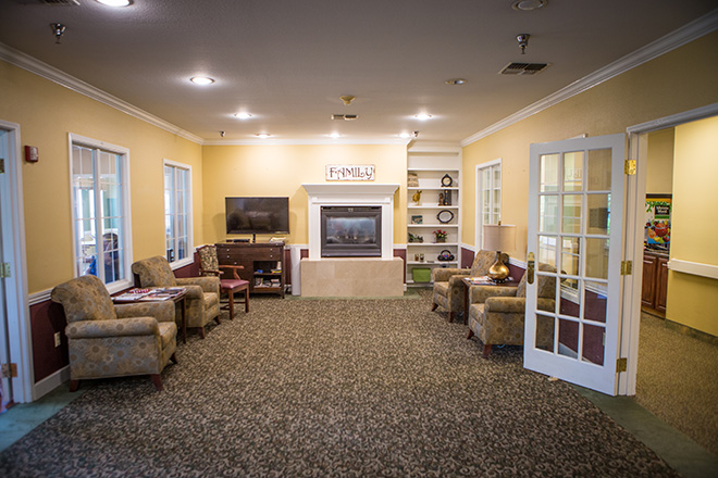 Brookdale Spring Creek Gardens Senior Living And Memory Care In Plano Texas Assisted Living