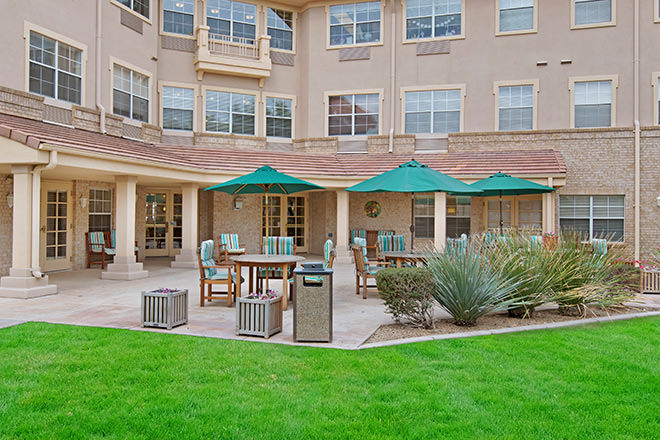 Brookdale Sun City West Sandridge Patio