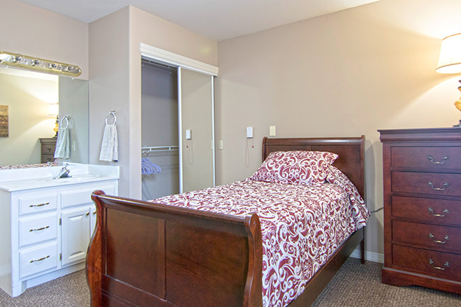 Brookdale Tahlequah Heritage Bedroom
