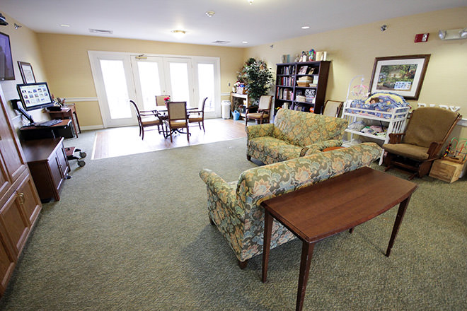 Brookdale W. Eisenhower Pkwy Common Area