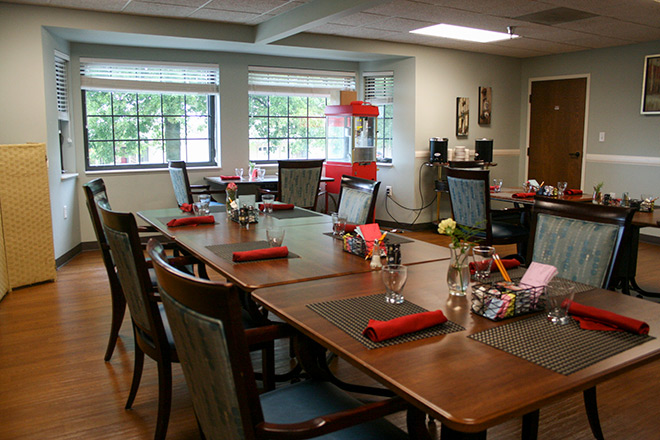 Foxwood Springs Living Center Dining Room