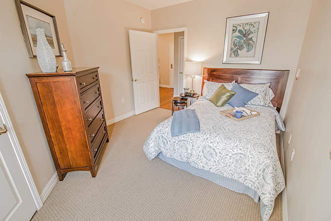 Brookdale Lake Orienta Bedroom