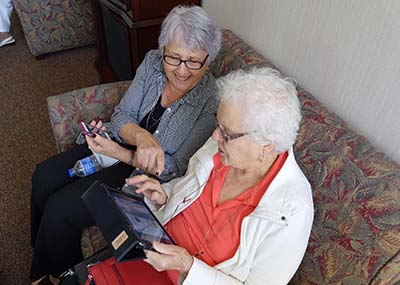 Brookdale Canyon Lake residents have loved learning how to use iPads within their community